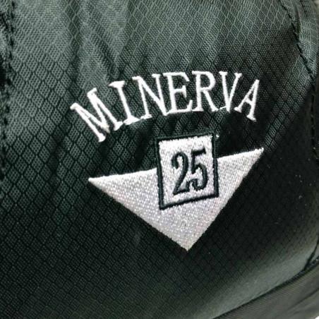 Mochila de trekking Inesca MINERVA 25 L. negra