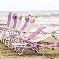 Este fin de semana empieza el caloret. Descubre toda la gama de sillas y tumbonas plegables Crespo y hazte con la tuya.  Calidad, ergonomía, ligereza, diseños, colores, y 5 años de garantía con @crespo_comfort_es.