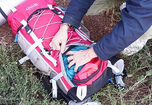 Cómo preparar, cargar y colocar tu mochila de senderismo